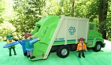 PLAYMOBIL 5938 City Service Green Recycling Truck w/  4 Figures, recycling bin