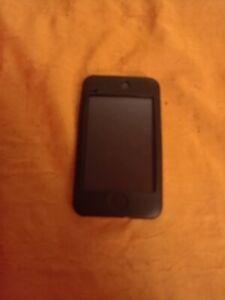 iPod Touch 1ere Génération  8 Go + doc jbl on micro III
