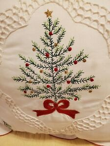 "Spode Classic Christmas Tree Pillow 18""x18"""
