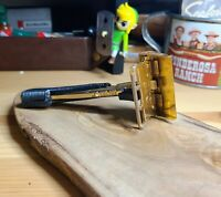 Gem single edge vintage safety razor push button black and gold micromatic