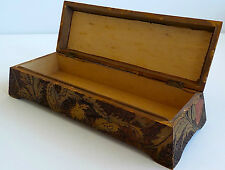 20TH CENTURY HINGED BOX WITH BURNED IN DECORATION OF ROSES