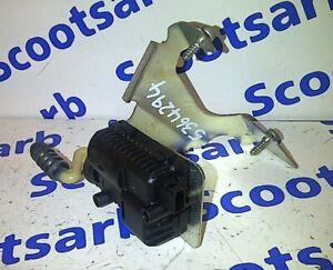 SAAB 9-5 95 Estate Petrol Fuel Flap Locking Motor with Bracket 5364294 2005-2010
