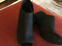 Womens bootie, black suede Giani Bernini with block heel. New without a box.SZ 8