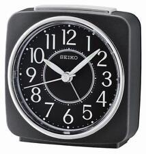 Seiko QHE140K tranquila barrido de segunda mano Pitido Despertador con Luz, repetición de alarma-Negro