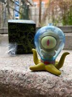 "Kidrobot Simpsons Treehouse of Horror 3"" Vinyl Figure - Alien Kodos with Ray Gun"
