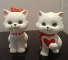2 Vintage White & Red Lefton Porcelain Kitty Cat Valentines Day Figurines
