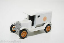 EFSI T FORD T-FORD 1919 WHITE AMBULANCE EXCELLENT