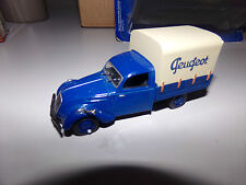 voiture miniature 1/43  NOREV   PEUGEOT 202 CAMIONNETTE BACHE DE 47