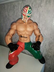 "Wwe Wrestling Action Figure 2005 Jakks Pacific Ring Giant's 14"" Rey Mysterio Wwf"