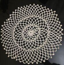 """BEAUTIFUL   HANDMADE white flower  Doily ROUND mesh lace   16""""  (40cm)"""