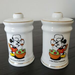 Vintage Mickey Mouse Salt and Pepper Shakers Ceramic Japan (A4)