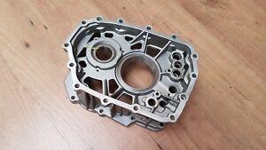 Center case for Nissan Skyline Getrag 6 speed manual transmission 32137-AA400