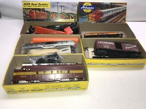 Vintage Ho  Lot of Train cars Athearn Westinghouse Alco Switcher 5 trains in box
