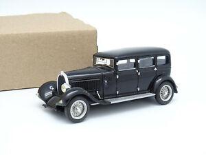 LuxCar SB 1/43 - Bugatti T46 Limousine 1930 Noire