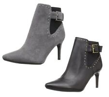 Calvin Klein Womens Jozie  Leather Pointed Toe Zipper  Fashion Ankle Boot