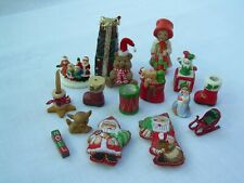 Lot of 16 MINIATURE CHRISTMAS FIGURINES Various Characters Items Sitters