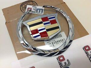 Cadillac Escalade Front Grille Crest & Wreath EMBLEM new OEM 22985036