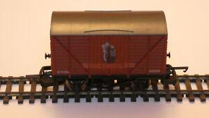 Model Railway 00 Lima Michelin Ventilated Van Rolling Stock 305603