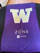 "University Of Washington Huskies Items 18"" X 10"" Rally Towel And Dawg Key Chain"
