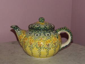 Polish Pottery UNIKAT 6 Cup Teapot!  UNIKAT Signature Exclusive Miss Daisy!