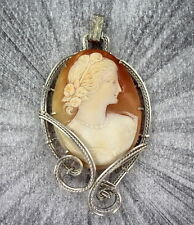 VINTAGE   HAND CARVED SHELL CAMEO PENDANT STERLING SILVER
