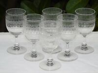 Baccarat? Saint Louis? Service de 6 verres à vin en cristal gravé. XIXe s.