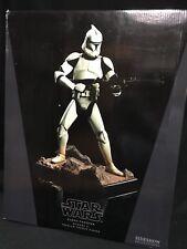 Sideshow Premium Format Episode II Clone Trooper Statue 0146/1000
