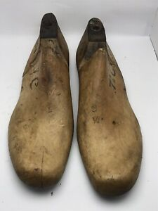 VINTAGE PAIR Wood Size 7 And 7-1/2 C W9374 Industrial Shoe Factory Last Mold L2.