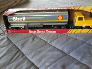 VINTAGE ERTL SHELL SUPER TANKER SEMI TRAILER TRACTOR In Original Box
