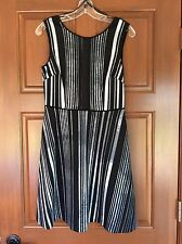 NWT MARC NEW YORK BY ANDREW MARC SIZE 4 BLACK & WHITE DIGITAL PRINT FLARE DRESS