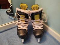 Youth Bauer Supreme S29 Ice Hockey Skates  Size 3 Used