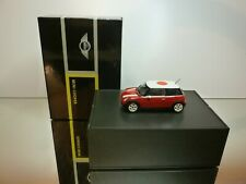 MINICHAMPS MINI COOPER + ROOF FLAG JAPAN - RED  1:43 - EXCELLENT IN BOX