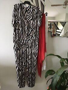 VIRTUELLE TS TAKING SHAPE Black Taupe Zebra Print Short Sleeve Jumpsuit XS
