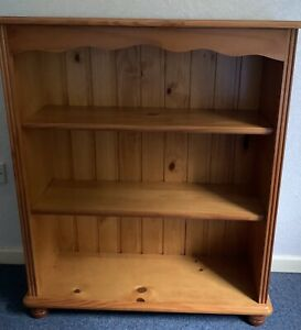 Pine Freestanding Shelves - Adjustable Shelves with Bun Feet