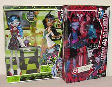 Lot of 2 Monster High Sets Mad Science Cleo & Ghoulia + 1st Wave Jane Boolittle