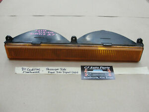 OEM 84 Cadillac Fleetwood Brougham RWD RIGHT FRONT TURN SIGNAL PARK MARKER LIGHT