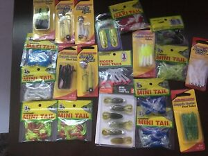 LOT OF 20 MIXED CRAPPIE/PAN FISH  LURES ALL NEW IN PACKAGE