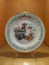 """Lenox Holiday Plates Featuring Mickey & Co """"On the Holiday Trail"""" Gold Trim"""