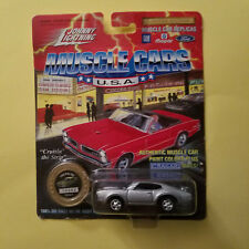 1/64 Johnny Lightning - 1969 Olds 442 - Gold Series #5 (14252)