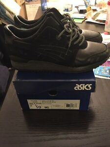 Solefly Asics Night Haven Size 10