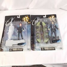 1998 The X Files Agent Dana Sully and Agent Fox Mulder Series 1 Figures