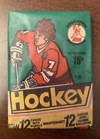 (1)-1977 WHA Hockey-OPC-unopened-Wax of pack cards-GORDIE HOWE?-BOBBY HULL?