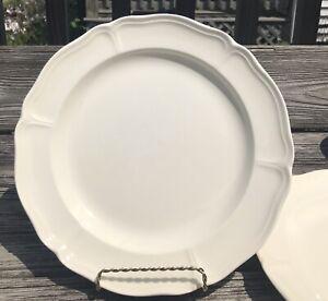 Wedgwood of Eturia & Barlaston Queens Shape Dinner Plates set of 2 Plain Ivory