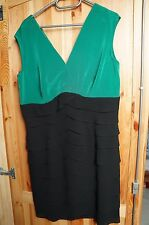 gebrauchtes Kleid in Größe 42-44, festlich, knielang