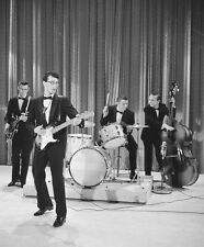 BUDDY HOLLY 8X10 PHOTO MUSIC POP ROCK & ROLL CRICKETS SINGER SONGWRITER PICTURE