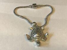 Tortuga TG176 en una pulsera serpiente plata rodio plateado