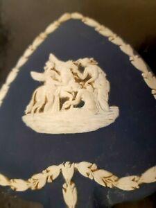 ANTIQUE WEDGEWOOD JASPER WARE DARK BLUE VANITY TRINKET BOX JEWELRY BOX DISH