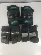 pre-owned Blade Runner Knee Pads Size medium with wrist guards 2 sets