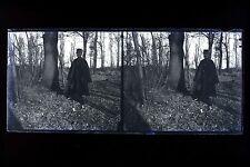 Un homme dans une fôret Militaire Mode 1900 Grande plaque négative stéréo D