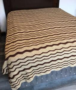 "Vtg Large Crocheted Afghan Blanket Bed Throw Brown Chevron 75"" X 109"" EUC"